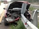 Joven murió en terrible accidente: El guardarrail atravesó completamente el auto